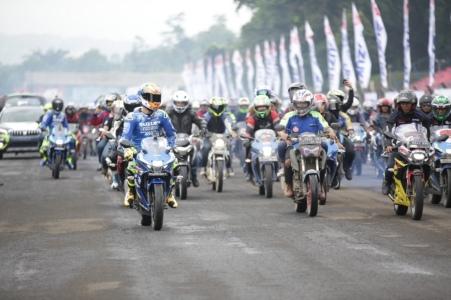 Iannone dan Rins memimpin Parade Bikers Suzuki