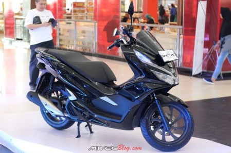 All New PCX Hitam
