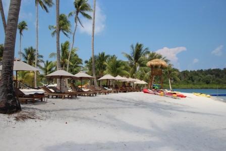 Pantai Pasir Putih Pulau Ranoh
