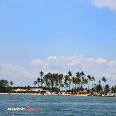 Pulau Ranoh dari kejauhan