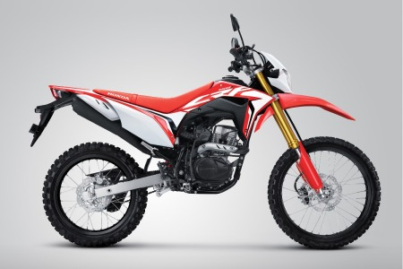 Honda CRF150 .Extreme Red dengan Velg Hitam