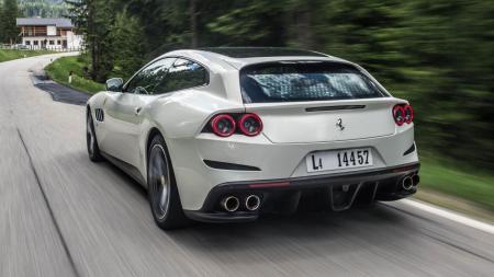 GTC4Lusso - Basic dari SUV Ferrari?