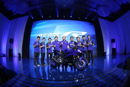 Launching New Yamaha R25