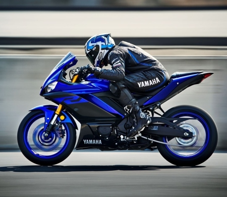New Yamaha R25/R3