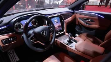 VinFast LUX A2.0 – Sedan (1)