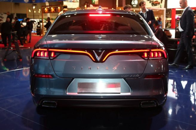 VinFast LUX A2.0 – Sedan (3)