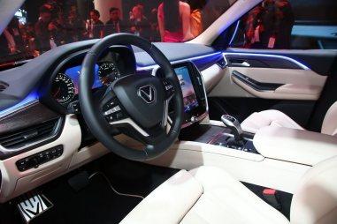 VinFast LUX SA2.0 – SUV (3)