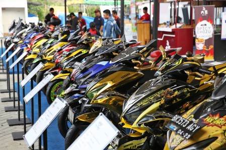 Deretan MAXI Yamaha Modifikasi di event CustoMAXI
