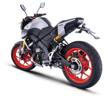 Yamaha MT-15 dengan Aksesoris Resmi Yamaha