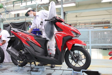 Vario 125 Advance Red