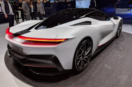 Desain perfect body Pininfarina Battista