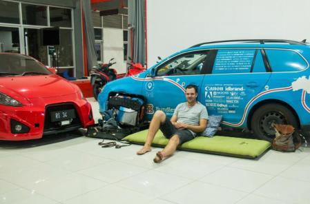 Mobil Wiebe Wakker rusak di Indonesia