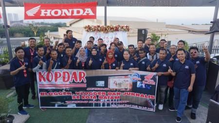 Kopdar Santai Jurnalis, Blogger dan Vlogger bersama Capella Honda