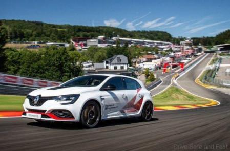 Renault Megane RS Throphy-R