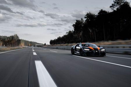 Bugatti Chiron Pecahkan Rekor Mobil Tercepat (3)