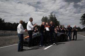 Bugatti Chiron Pecahkan Rekor Mobil Tercepat (9)