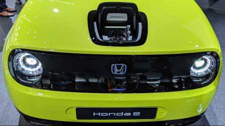 Lubang Charge Honda E