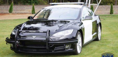 Tesla Model S Polisi Fremont