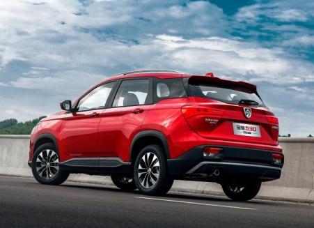 Wuling Almaz atau Baojun 530 facelift 2019 (2)