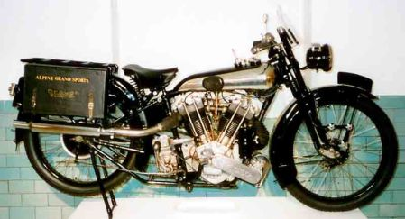 Brough Superior SS100 tahun 1925