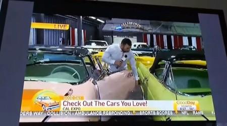 Cardenas melakukan tindakan bodoh di atas Ford Thunderbird