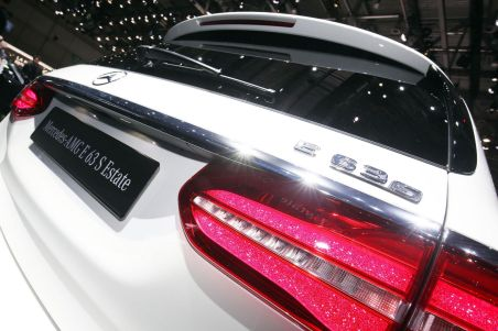 Spoiler Mercedes-Benz E-Class Estate
