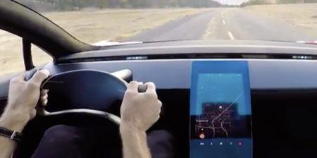 Tesla akan membuat Suara Kambing dan Kentut untuk Klaksonnya